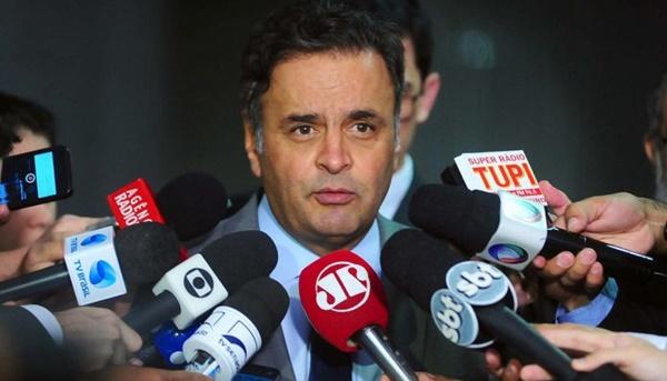 Ministro Marco Aurélio determina volta de Aécio Neves ao Senado nesta sexta-feira (30).
