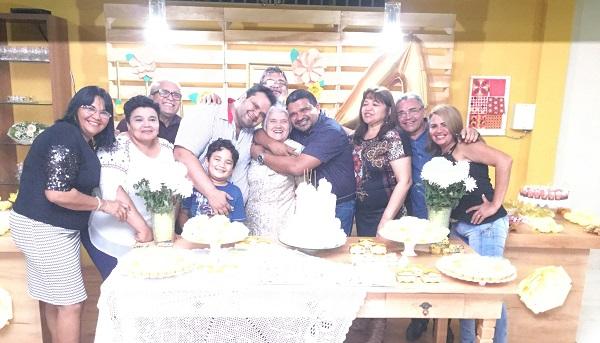 """Família Anceles comemora o aniversário dos 80 anos da matriarca """"Ana Maria Waquim Anceles""""."""