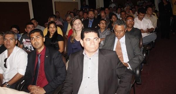 PREFEITO ALAN LINHARES DE BACABEIRA.