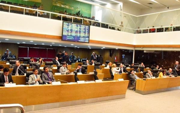 Assembleia aprova regulamentação do serviço de Publicidade Alternativa de Linha Modulada, (Rádio Poste).