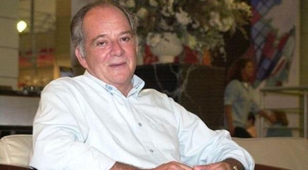 Aos 74 anos, morre o ator Cláudio Marzo.