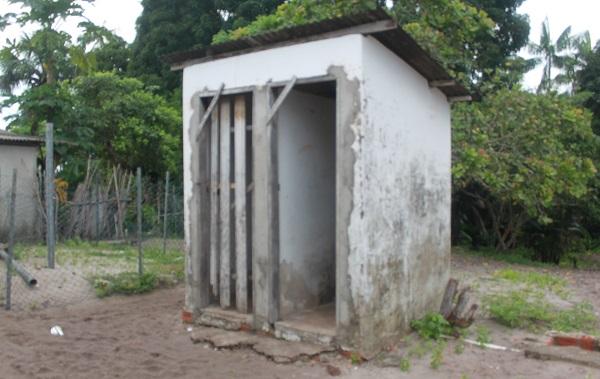 BANHEIRO DA ESCOLA.