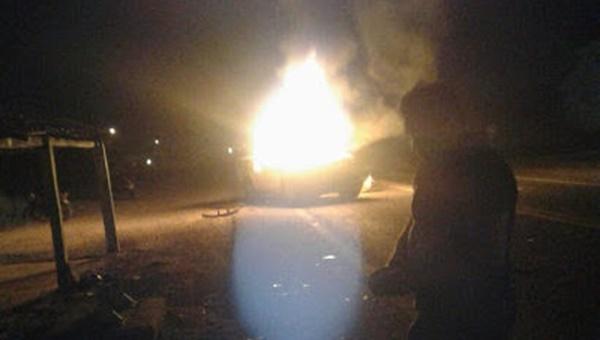 Homem atropela indígena, tem carro incendiado e é feito refém no MA.