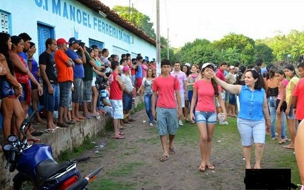POPULAÇÃO MOSTRA INSATISFAÇÃO COM A PREFEITA DE CHAPADINHA.