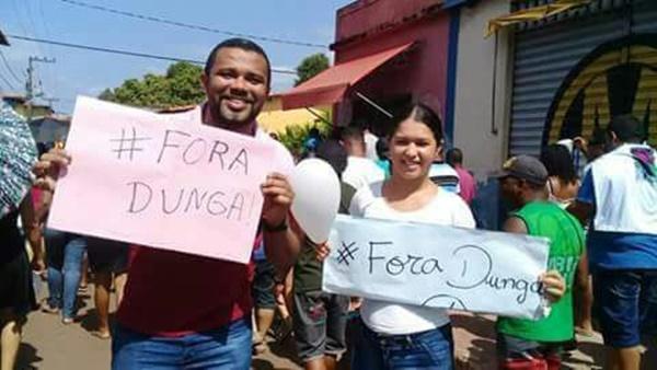 """Moradores de Icatu, vão as ruas novamente com a campanha """"Fora Dunga"""" nesta quinta-feira."""