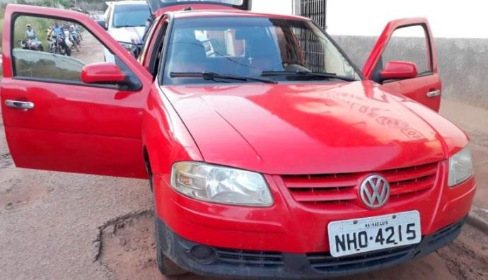 Polícia recupera veículo roubado de taxista na região do Munim.