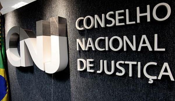 Cartórios são proibidos de registrar uniões poliafetivas, decide CNJ.