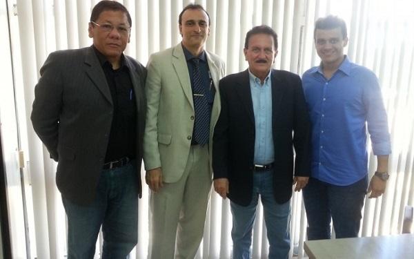 Coronel e adjunto da SSP, Roberto, secretário Marcos Affonso, conselheiro Edmar Cutrim e o pré-candidato Glaubert Cutrim.