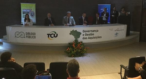 TCU e TCE realizam Diálogo Público sobre governança e gestão das aquisições.