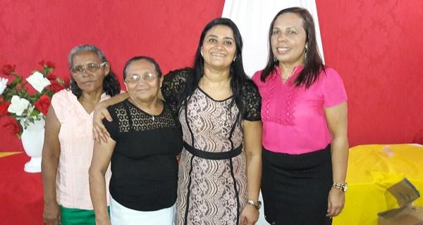 DONA AUREA, DONA OSITA, PREFEITA ROBERTA E A SECRETARIA DE EDUCAÇÃO FLÁVIA.