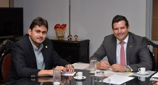 Deputado Juscelino Filho (DEM), se reuniu nesta terça-feira (16) com o ministro dos Transportes.