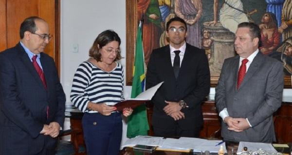 Desembargador Cleones Carvalho Cunha, empossou o juiz Raphael de Jesus Serra Ribeiro.