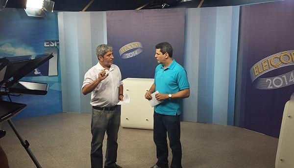Diretor de Jornalismo Roberto Prado e o jornalista Fábio William.