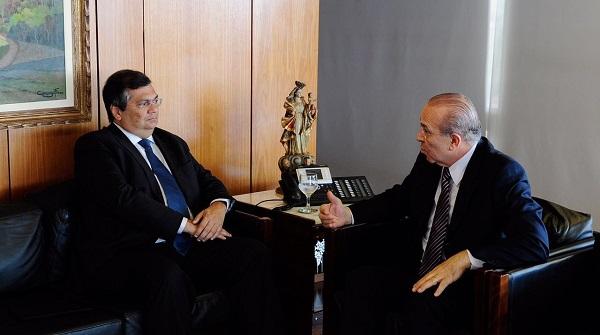 Durante conversa com o ministro-chefe, o governador Flávio Dino destacou, entre outras pautas, o Porto do Itaqui como grande vetor do desenvolvimento do estado.