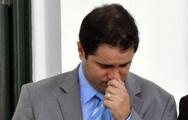 PREFEITURA DE SÃO LUÍS COM A CIDADE CHEIAS DE BURACOS E ADMINISTRAÇÃO UM FRACASSO, PROJETO SAI DA PAUTA.
