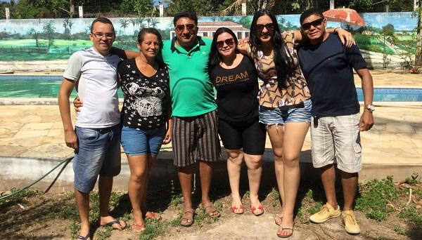Familiares e a equipe do Portal do Munim realiza surpresa de aniversário para vereadora Lucyanne Castro.