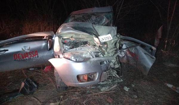 Grave acidente em Caxias deixa uma pessoa morta e duas feridas.