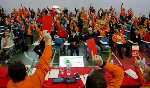 Petroleiros decidem entrar em greve por 72 horas a partir da próxima quarta-feira.