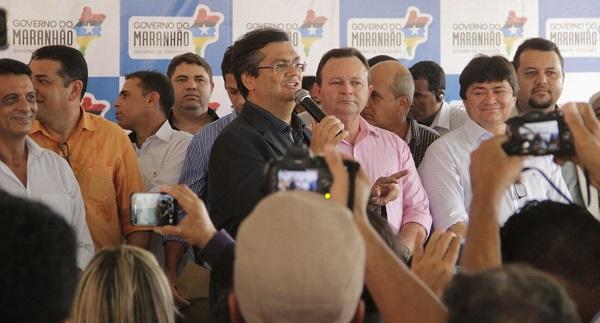 Em Açailândia, governador Flávio Dino, ao lado do vice-governador, Carlos Brandão, assinou ordem de serviço para execução do programa 'Mais Asfalto', inaugurou nova sede do CBMMA e entregou presídio ampliado e reformado.