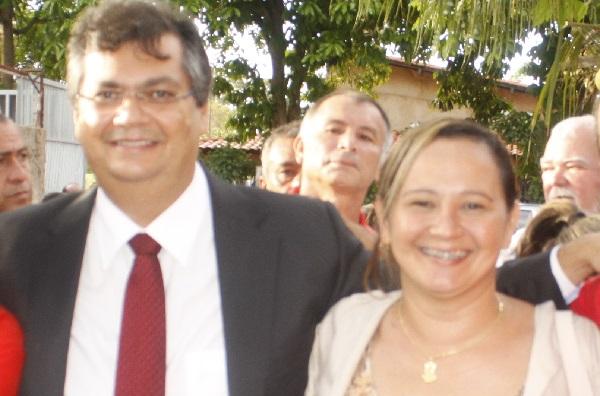GOVERNADOR FLÁVIO DINO E SUA CANDIDATA A PREFEITA DE MORROS AMANDA MUNIZ.