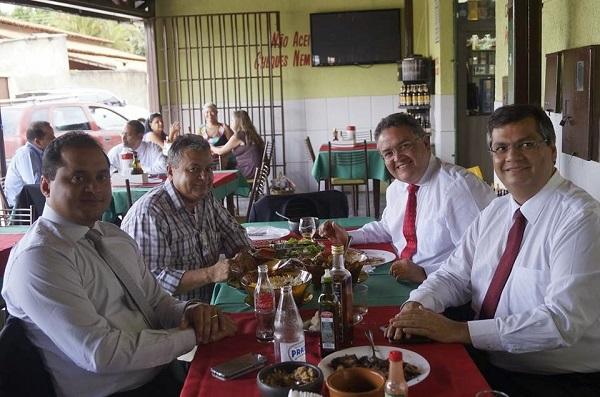 GOVERNADOR FLÁVIO DINO, SENADOR ROBERTO ROCHA E O DEPUTADO WEVERTON ROCHA COM AMIGO MACEDINHO.