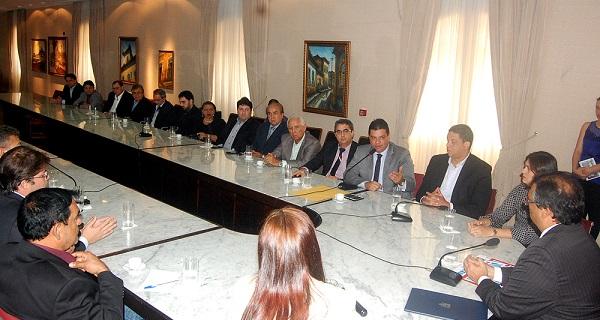 Governador Flávio Dino com o setor imobiliário.