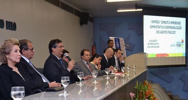 Governador Flávio Dino em participação no I Simpósio de Combate à Corrupção e Responsabilização dos Agentes Públicos.
