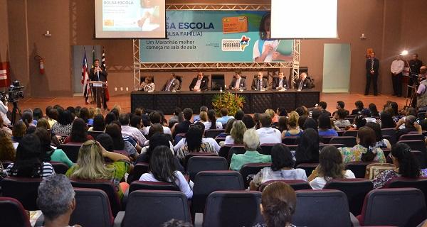 Governador Flávio Dino falou do compromisso em garantir dignidade para a população que vive na extrema pobreza.
