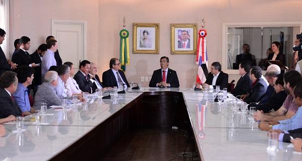 Governador Flavio Dino oficializou apoio do Governo do Estado ao Campeonato Maranhense de Futebol 2016.