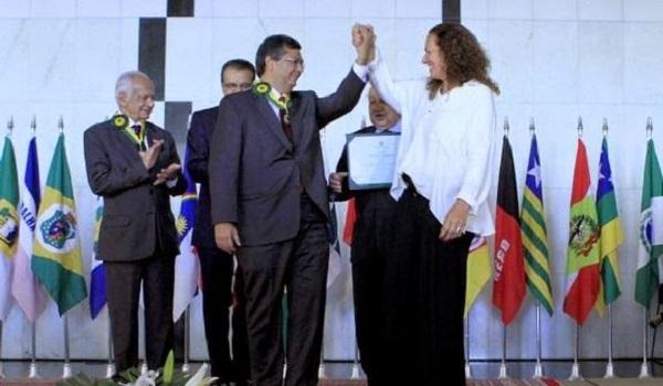 Governador eleito pelo PCdoB no Maranhão foi indicado pela Bancada da Câmara por sua contribuição ao Parlamento brasileiro.