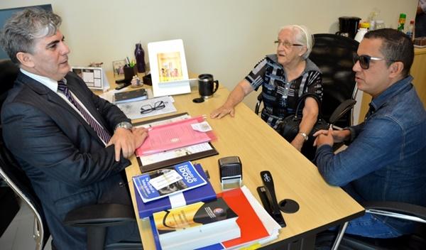 Ministério Público quer explicações de Canindé Barros por ter apreendido carro de idosa de 81 anos.