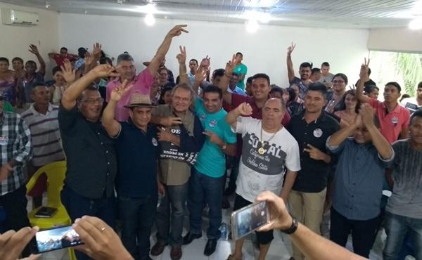 Josimar Maranhãozinho e Hélio Soares são recebidos por vereadores e lideranças na região do Munim.