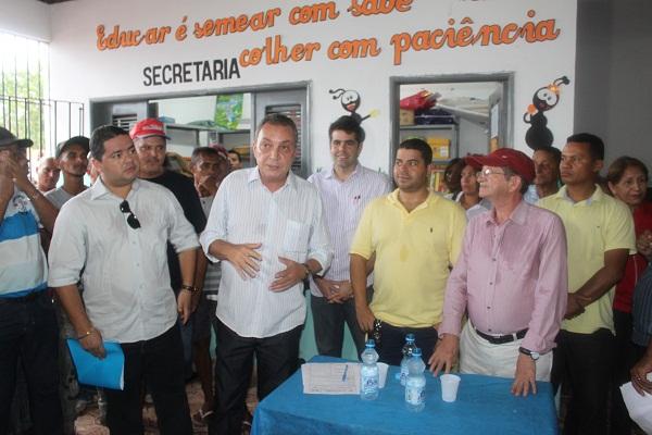 LUÍS FERNANDO,ADRIANO SARNEY,GUSTAVO VASCONCELOS E O PREFEITO FRANCIVALDO.