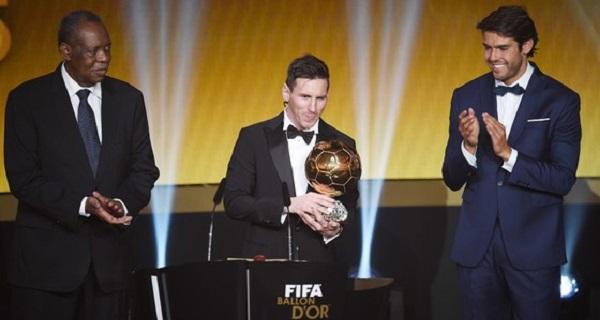 Lionel Messi, melhor do mundo pela quinta vez em 2015.