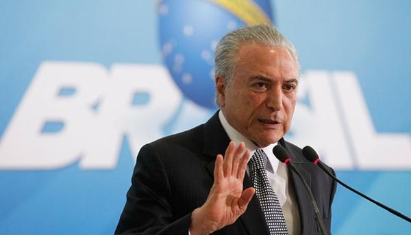 Michel Temer passou por intervenção cirúrgica nesta tarde, informa Planalto.
