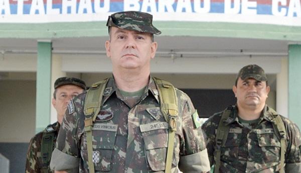 """O 24º Batalhão de Infantaria Leve """"24º BIL"""" tem novo comandante."""