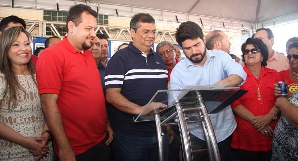 O Governandor assinou a ordem de serviço para início das obras de reforma e melhoria do sistema de abastecimento do município de Barra do Corda.