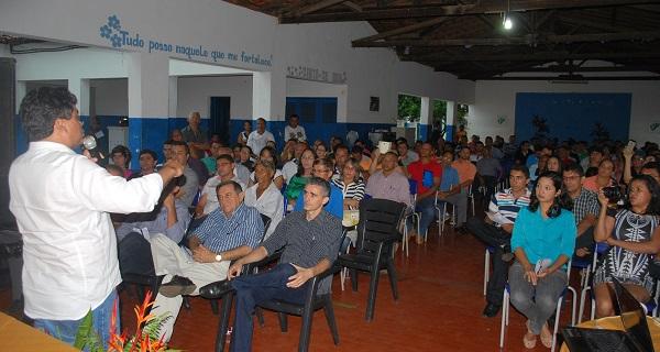 O Secretário de Estado de Assuntos Políticos e Federativos (SEAP), Márcio Jerry, fala durante audiência.
