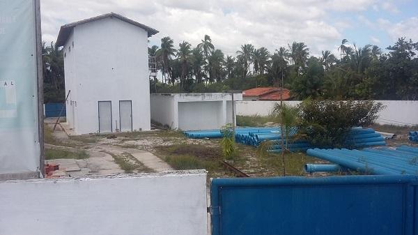 Obra da Estação de Tratamento de Água (ETA) abandonada.