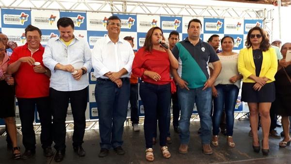 Governador entrega benefícios e participa de mutirão da Justiça Federal em Santo Amaro.