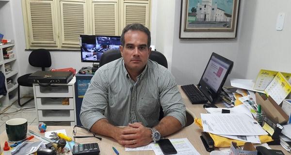 PREFEITO DE PRIMEIRA CRUZ SÉRGIO ALBUQUERQUE.