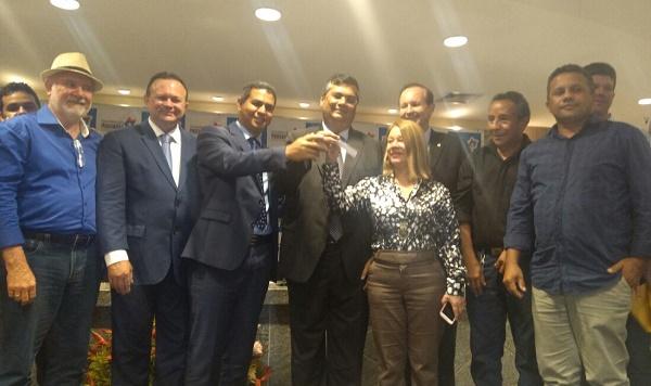 Prefeituras de Rosário, P. Juscelino, Cachoeira Grande, Morros, Axixá e Icatu recebem do governador equipamentos para impulsionar produção agropecuária da região do Munim.