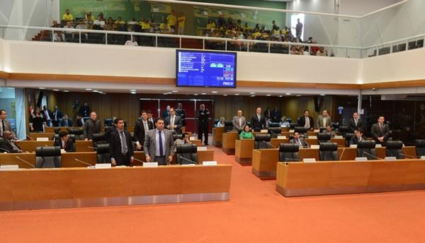 Assembleia aprova Medida Provisória que cria o Cheque-Minha Casa.