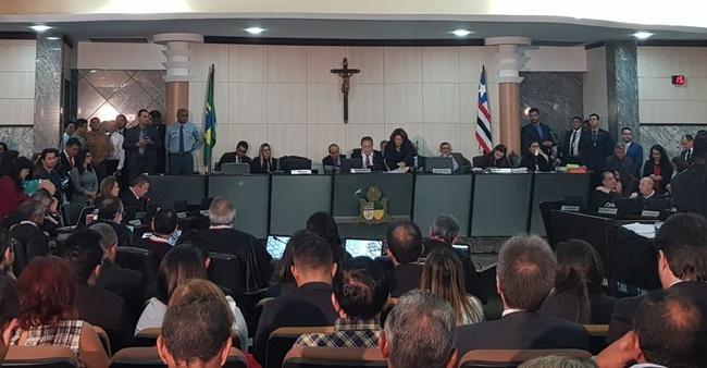Nelma Sarney é derrotada por 16 a 10, José Joaquim é eleito presidente do TJ.