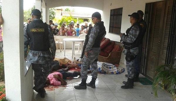 POLICIA NO LOCAL DO CRIME.