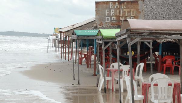 Justiça Federal reconhece decisão e manda demolir bares no Araçagi.