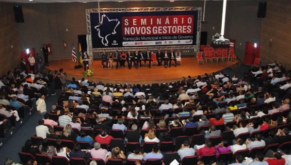 """Encerrado o seminário sobre a """"Transição Municipal e Início de Governo""""."""