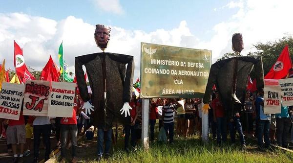Quilombolas bloqueiam acesso ao Centro de Lançamento de Alcântara.
