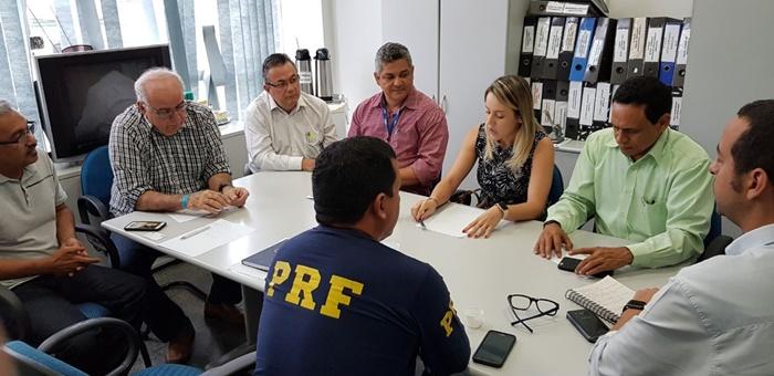 PRF, DNIT e EMAP definem ações de prevenção aos acidentes provocados por derramamento de fertilizante na BR-135.