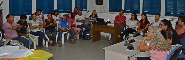 Paulino Neves discute criação do Fórum Municipal de Educação.